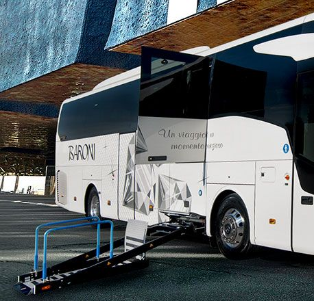 Wheelchair accessible coaches hire with driver for disabled people NCC Assisi, Perugia, Rome - Baroni Autonoleggi Italy